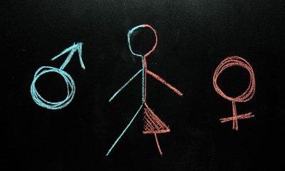παχύ Ebony λεσβιακό τρίο πορνό με σέξι άνδρες